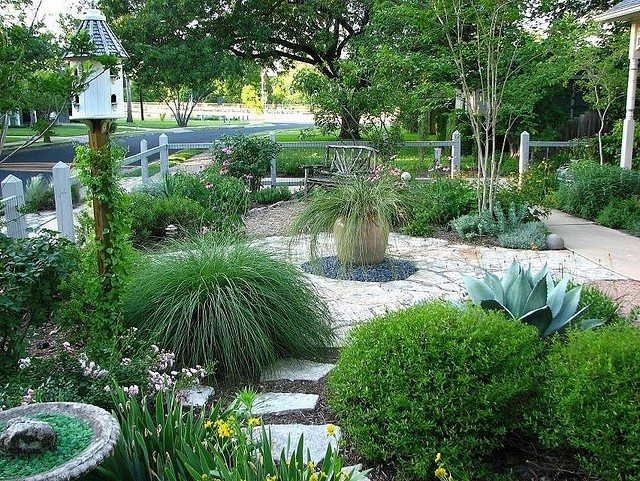 Common misconceptions about xeriscaping for Garden design ideas without grass low maintenance