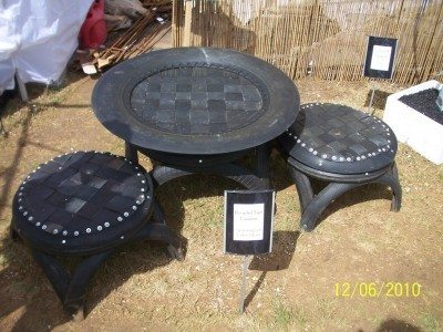 Urban garden space: recycled furniture for the garden
