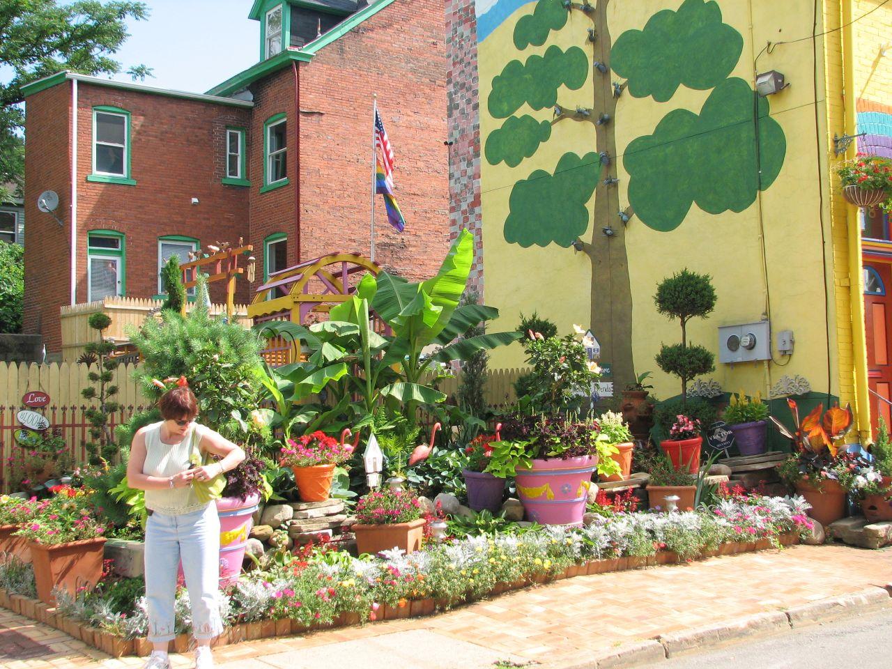 Garden Ideas Small Landscape Gardens Pictures Gallery: Rainbow Garden Designs For Kids