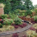 train-garden