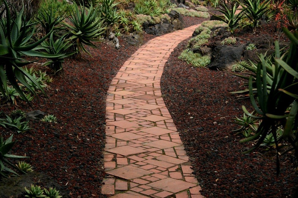 Garden Paths And Walkways How To Make Garden Pathways Interiors Inside Ideas Interiors design about Everything [magnanprojects.com]