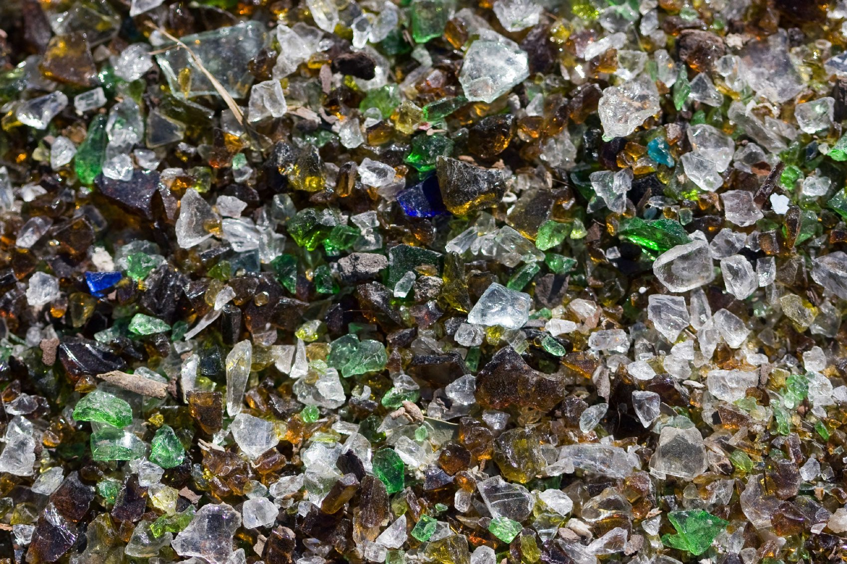 Tumbled glass mulch how to use recycled glass in gardens - Recycled glass for gardens ...